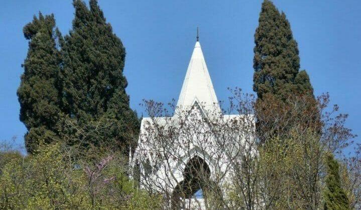 """Co zobaczyć w Bresci? """"Grobowiec psa"""" przy via Panoramica."""