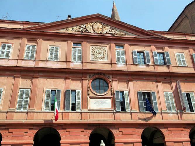 Modena_Budynek1