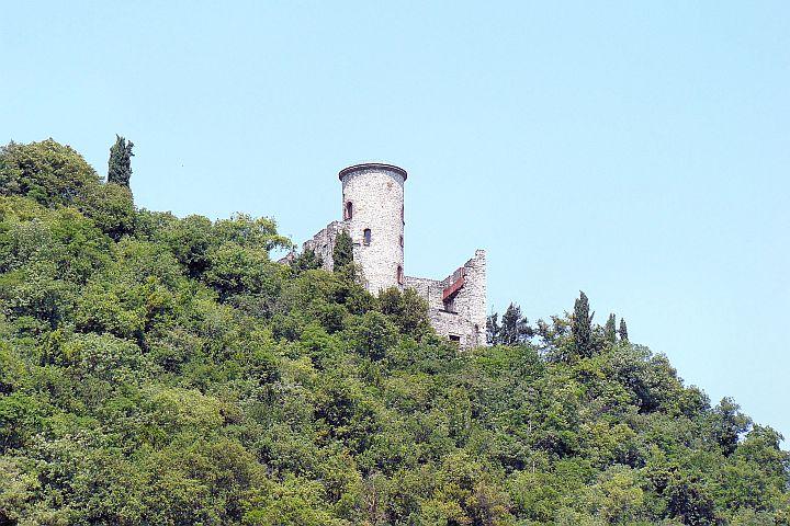 Zamek naMonte Isola